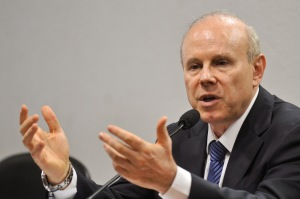 Brazil Finance Minister Guido Mantega says 2013 will see growth of 4% or more. Photo by Antonia Cruz/ABr.
