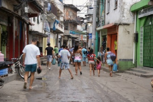 Daily life in Itareré favela (Complexo do Alemão). Photo by Ben Tavener.