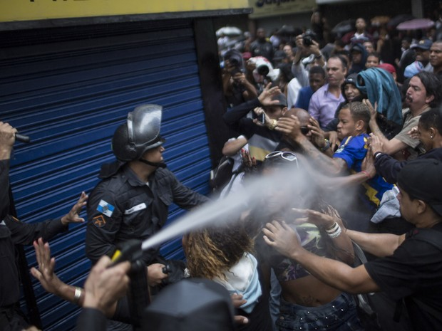 Brazil Copacabana Rio DG protest violence. Photo: AP.